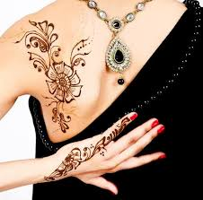 Henna Decorations Interview Mehndi Rouge Henna Decorations The Fashion Orientalist