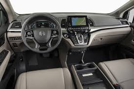 honda odyssey 2018 honda odyssey gets minor price increase autoguide com news