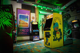 a look inside taco bell u0027s new pop up arcade in seattle