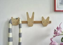 patere chambre bebe le patère pour enfant une sorte de jeu et de décoration de la