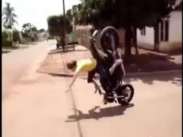imagenes graciosas videos videos graciosos graciosas caidas en moto accidentes divertidos