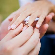 3000 dollar engagement ring study shows engagement ring cost and wedding expenses impact