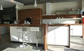 cuisine blanc et noyer nos cuisines sarl lerooy route de broglie à bernay