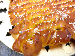 and white chocolate tree bread
