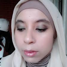 Aplikasi Eyeshadow Sariayu s princess page 3