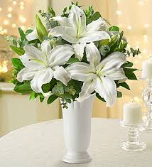 White Roses In A Vase All White Lilies Free Vase 1800flowers Com 92928