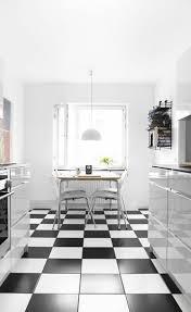 carrelage noir et blanc cuisine charmant lino damier noir et blanc avec cuisine carrelage noir