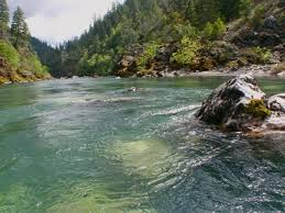 Rafting the illinois river in southern oregon