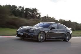 Porsche Panamera S E Hybrid - 2018 porsche panamera s e hybrid front side in motion 05 motor trend