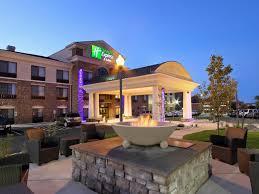 Barnes And Noble Colorado Springs Colorado Holiday Inn Express U0026 Suites Colorado Springs First U0026 Main Hotel