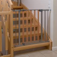 kinderschutzgitter treppe hauck wood lock safety gate schutzgitter zum klemmen 75 81 cm