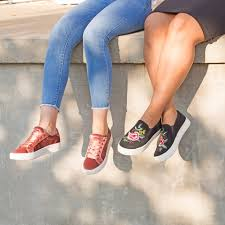 is payless open on thanksgiving payless shoesource home facebook