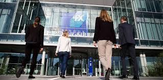 banque populaire massif central siege la banque populaire de l ouest recrute regionsjob