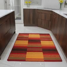Wohnzimmerschrank Rot Moderne Häuser Mit Gemütlicher Innenarchitektur Kühles