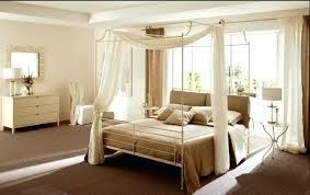 chambre lit baldaquin lit baldaquin design chambre a coucher adulte 32 designs de lit
