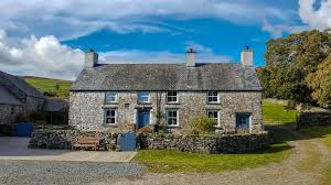 luxury farmhouse in mountain location cwmain holiday cottages