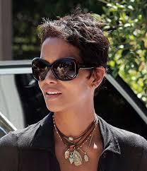 harry berry hairstyle 20 best halle berry pixie cuts short hairstyles 2016 2017