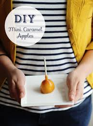 diy mini caramel apples at home in love