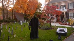 halloween cemetery fence ideas spooky scenes degraba family goes all out for halloween photos