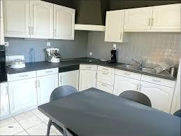 relooker un buffet de cuisine meuble cuisine formica top peindre meuble cuisine laque peindre
