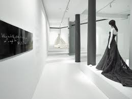 she walks in beauty a timeless retrospective of fashion designer