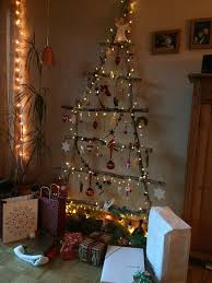 twig christmas tree 50 handy christmas tree lights ideas to brighten your christmas tree