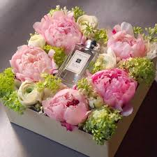 flowers in a box flowers in a box peony jomalone d e s i g n f l e u r