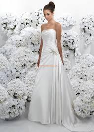 robe de mari e simple pas cher robe de mariée pas cher simple avec perles