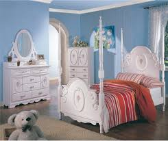 Contemporary Canopy Bed Bedroom Fabulous Canopy Bed Painted In White And Made Of Wooden