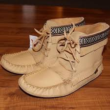 womens leather ankle boots canada 30 best moccasin boots images on moccasins moccasin