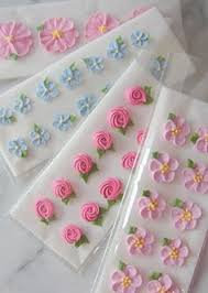 Easy Icing Flowers - royal icing roses have never been easier all you need is a star