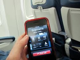 Passageiros da TAM poderão usar celulares e tablets no modo avião