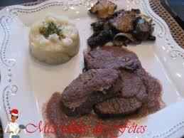 cuisiner un roti de biche tendre rôti de biche plat de noël recette ptitchef