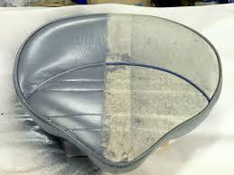 peinture pour canapé simili cuir teinture vinyle en aérosol teindre un canapé en skaï ou alcantara