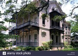 new orleans garden district 19th century mansions surrounded by