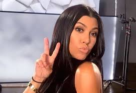 kourtney kardashian pissed about justin bieber kissing hailey