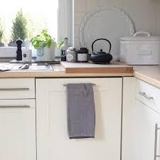 weiße küche mit holz moderne hochglanz küchen in weiß 25 traumküchen mit
