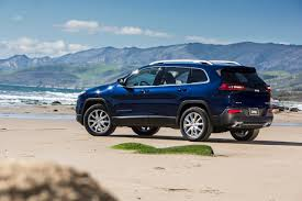 mudding jeep cherokee 2014 jeep cherokee unveiled at the new york auto show autoevolution