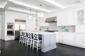 kitchen cabinets with light floor 30 stylish and kitchens with light and contrasts