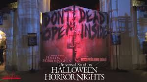 halloween horror nights tickets halloween horror nights 2015 front entrance and globe time lapse