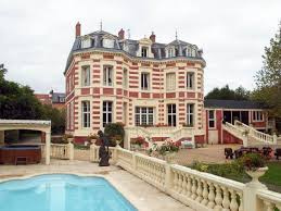 10 french castles cheaper than sydney units