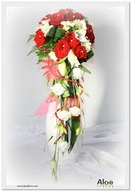 bouquet de fleurs roses blanches bouquets de mariée cascade en images aloe fleurs