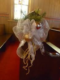 naper settlement century chapel pew decoration for christmas