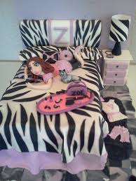 Little Girls Bedroom Lamps Little Diva Bedroom The Bed Is Cake Used Fondant To Make The