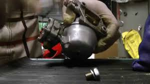 how to clean 6hp 8hp 9 9hp 15hp suzuki 2 stroke outboard carb diy