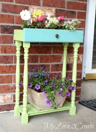 Porch Planter Ideas by 12 Unique And Easy Diy Planter Ideas For Your Front Porch