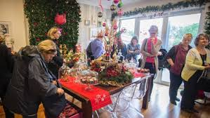 decorate your home for christmas and give food bank a helping hand