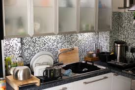 free image of modern kitchen with mosaic splashback