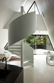 salon haut de gamme maison pyramide la tente haut de gamme dans les arbres en