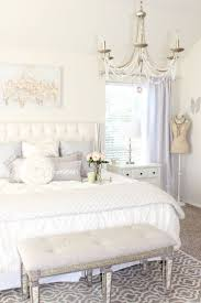 White Shabby Chic Bedroom by Best 20 Shabby Chic Chandelier Ideas On Pinterest Vintage